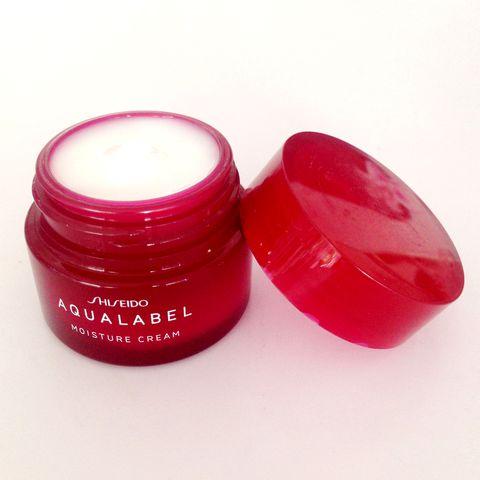 Kem dưỡng Shiseido Aqualabel Cream Ex Moisture màu đỏ